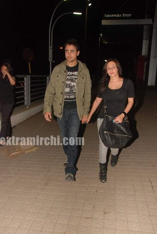 Imran-Khan-and-girlfriend-Avantika-Malik-pics-1.jpg