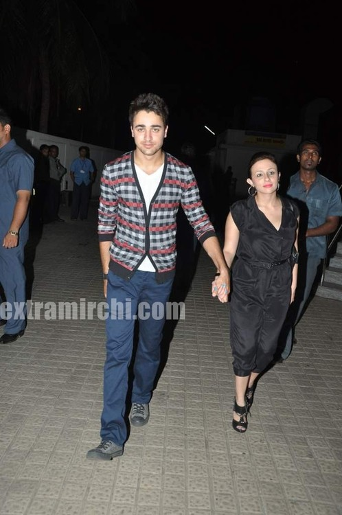 Imran-with-girlfriend-Avantika-Malik-at-IHLS-screenign-at-PVR-1.jpg