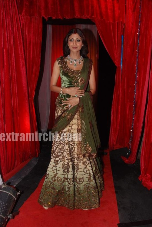Shilpa-shetty-at-grand-finale-of-Zara-Nachke-Dikha-1.jpg