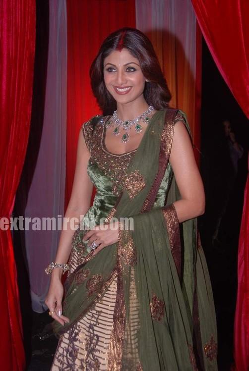 Shilpa-shetty-at-grand-finale-of-Zara-Nachke-Dikha-3.jpg