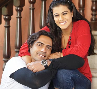 Kajol-in-We-Are-Family-3.jpg