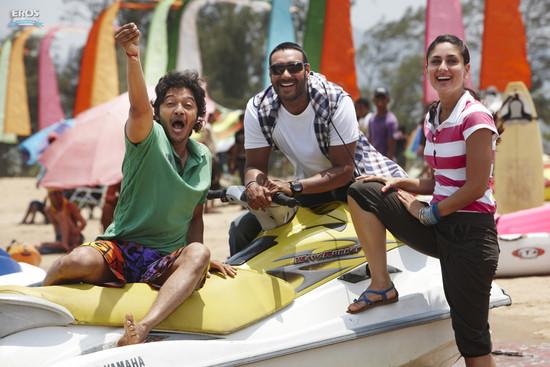 Golmaal-3-Ajay-Devgn-Kareena-Kapoor-Arshad-Warsi-Tusshar-Kapoor-and-Shreyas-Talpade-9.jpg