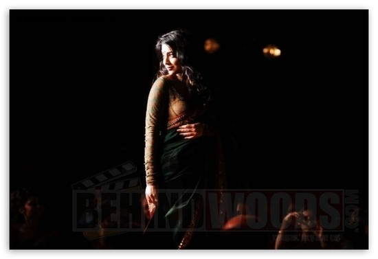 Shriya-Saran-in-handloom-saris-3.jpg