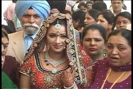 Navneet-Kaur-marries-Ravi-Rana.jpg