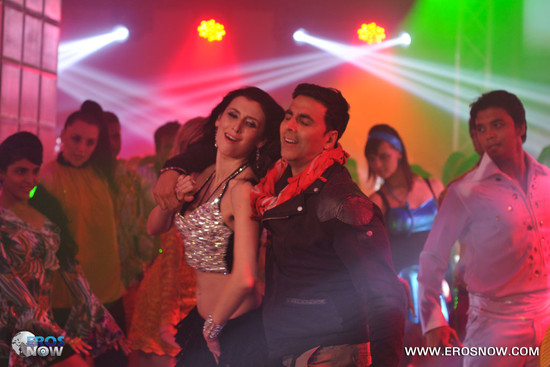 Asin-and-Akshay-Kumar-in-Khiladi-786-3.jpg