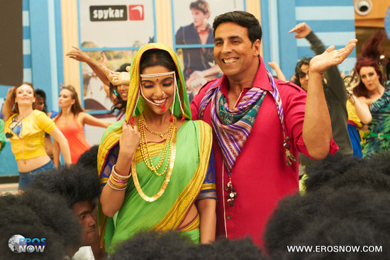 Asin-and-Akshay-Kumar-in-Khiladi-786-5.jpg