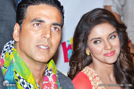 Asin-in-Khiladi-786_event-4.jpg