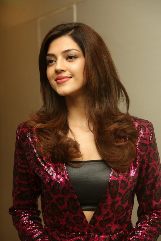 Actress-Mehreen-Pirzada-Photos-10.jpg