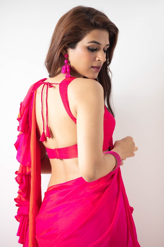 Shraddha-Das-Saree-Photos-3.jpeg