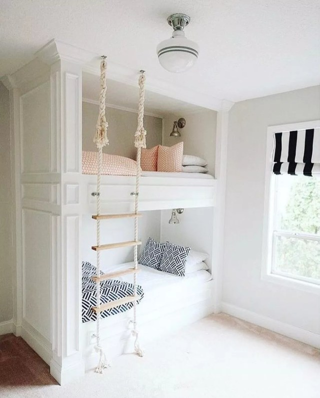 Modern bunk beds. Photo by Instagram user @smallapartmentdecor
