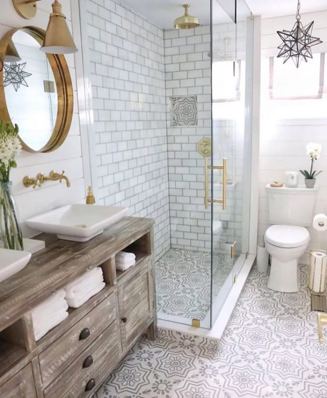 Staged luxury bathroom. Photo by Instagram user @jettsetfarmhouse