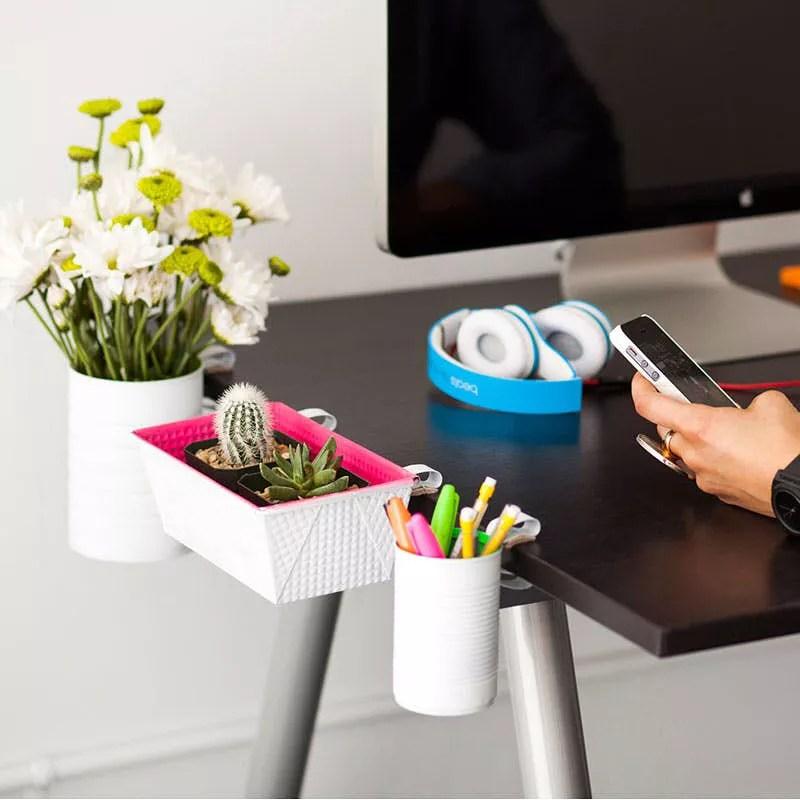 DIY Desk Holders. Photo by Instagram user @ofisadami