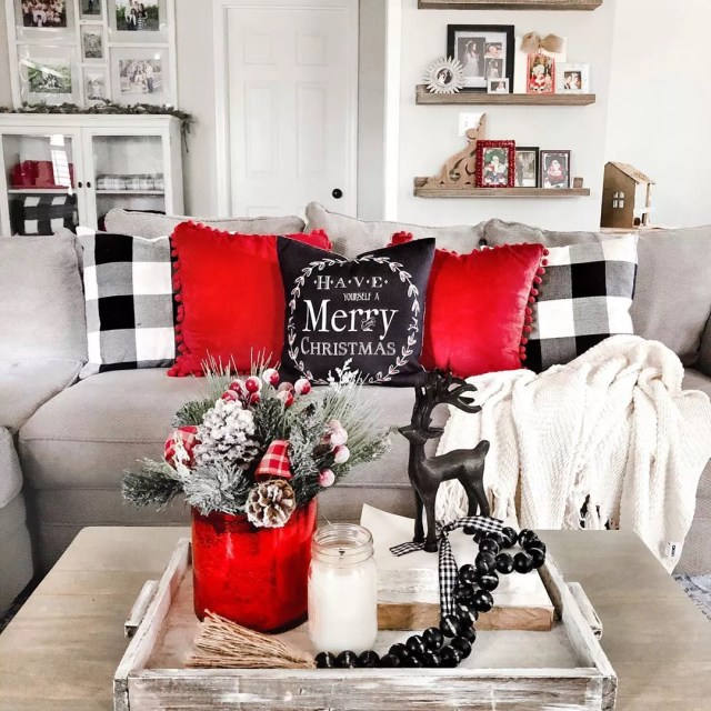 Christmas living room. Photo by Instagram user @white.oak.shop