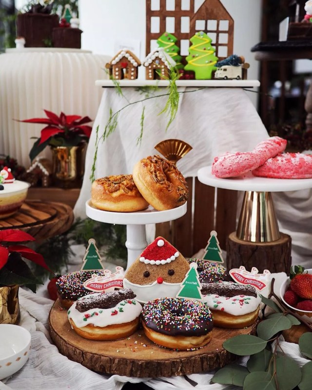 Tiered holiday treats. Photo by Instagram user @tjang.fonda
