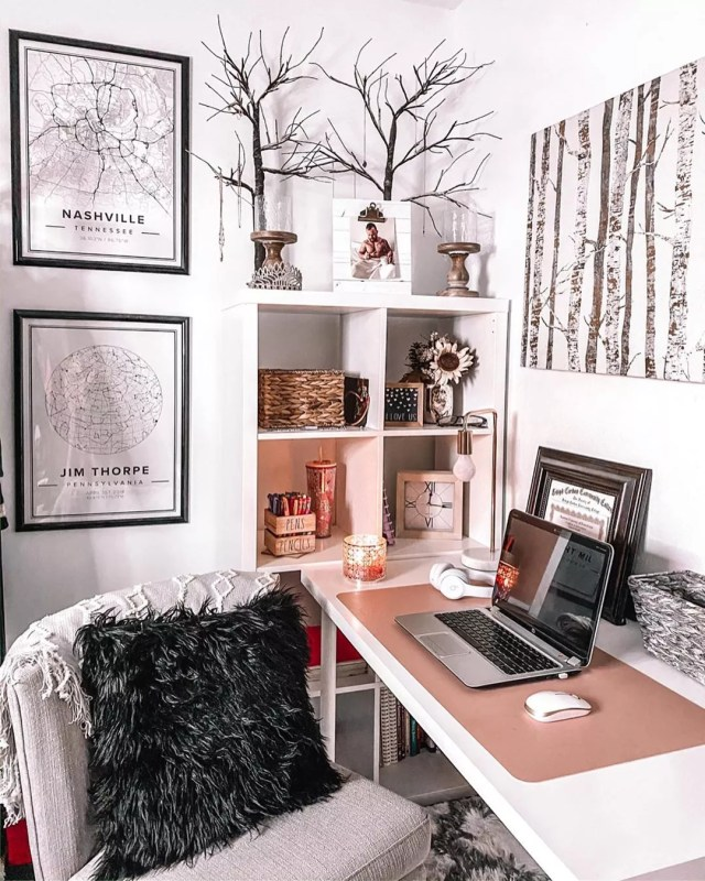Contemporary home office. Photo by Instagram user @cardigansandlattes