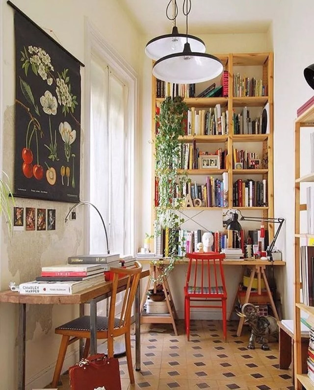 well decorated home office with personal touches photo by Instagram user @casademartina