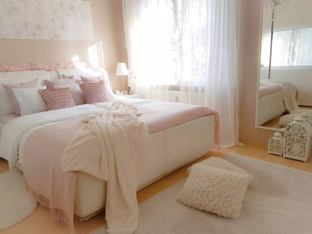 Bedroom Painted with Warm, Light Pink and White. Photo by Instagram user @nihals_sweet_home