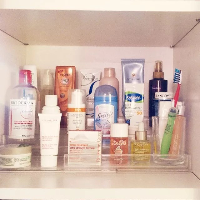 Multi-Tiered Bathroom Organizer for Beauty Products. Photo by Instagram user @livesimplybyannie