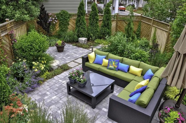 Block Paving Ideas For Gardens, How To Create An Outdoor Living Space In A Small Backyard Extra Space Storage