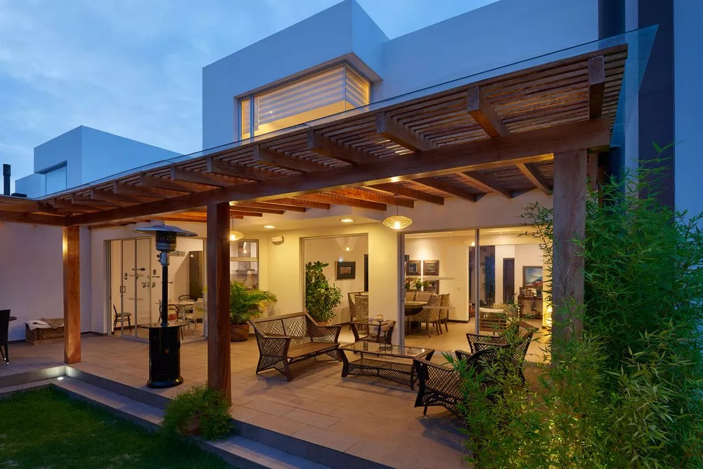 outdoor living spaces add resale value