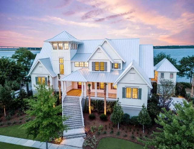 Custom-built home in Daniel Island, SC. Photo by Instagram user @keeneyemarketing