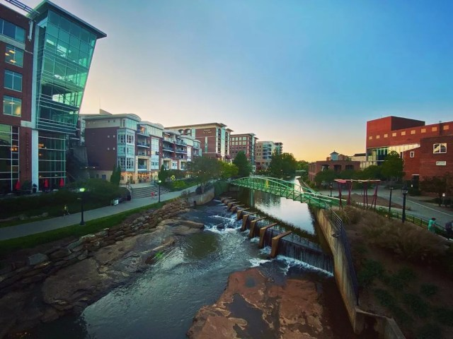 greenville sc river in downtown of the city photo by Instagram user @leisaworks