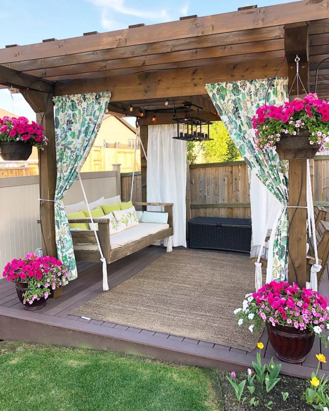24 Cheap Backyard Makeover Ideas You'll Love | Extra Space ... on Small Backyard Renovation Ideas id=82226