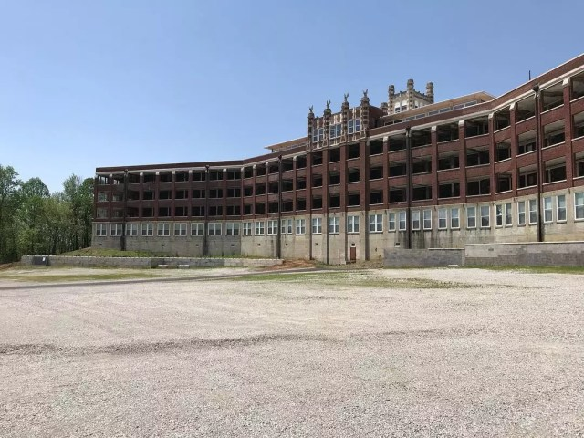 Long and emty tuberculosis hospital at The Waverly Hills Sanatorium. Photo by Instagram user @novamajors
