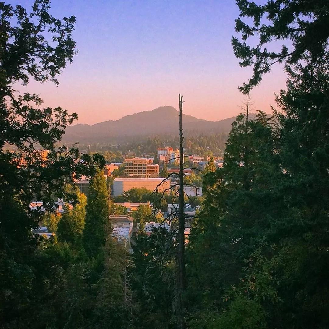 Eugene, OR skyline. Photo by Instagram user @branban3