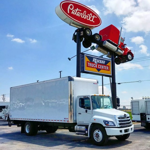 Moving truck at truck stop. Photo by Instagram user @longhornrentalsbuda