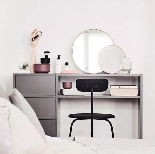 Creative Vanity for Makeup in Bedroom. Photo by Instagram user @mycs_com