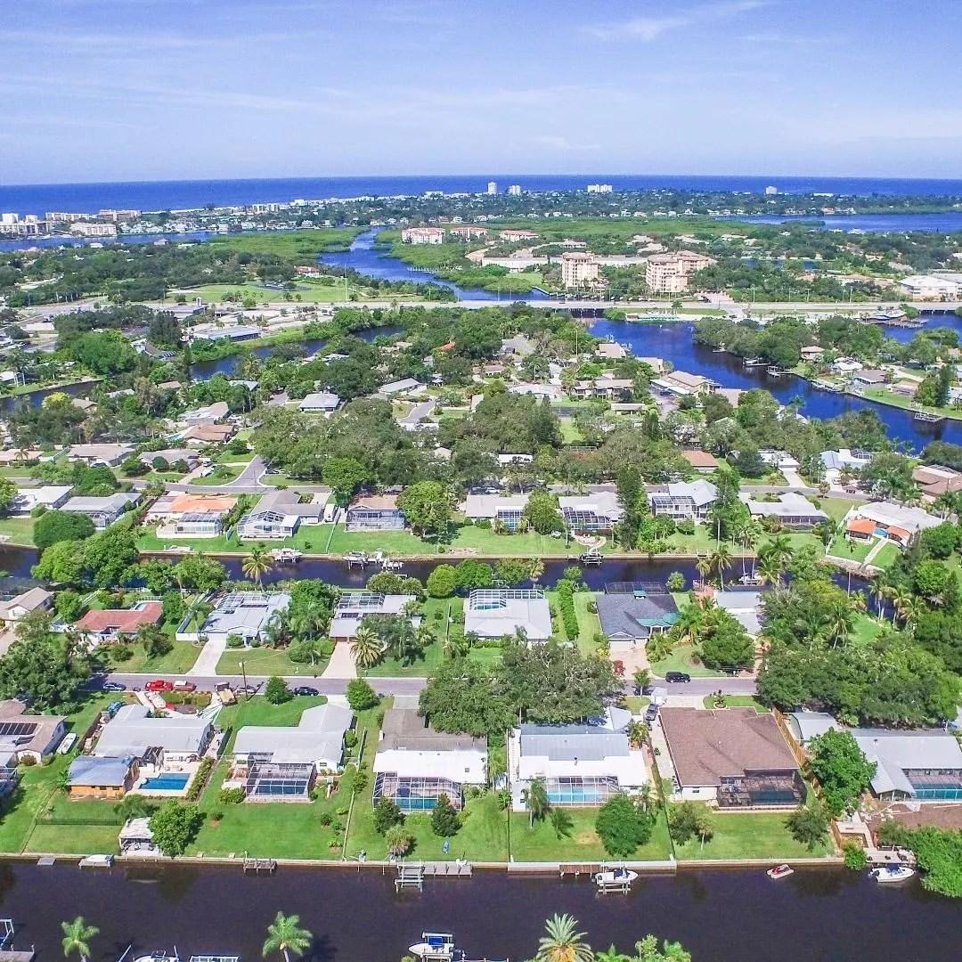 Overhead view of neighborhood in Sarasota with waterways Photo by Instagram user @buyorsellsarasota