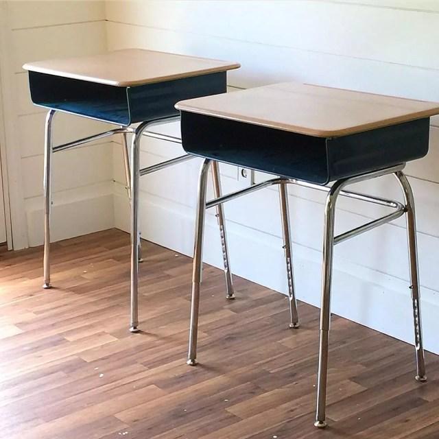 Repurposed school desks. Photo by Instagram user @craftsbycourt