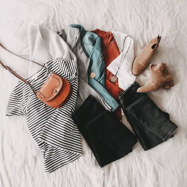 Capsule wardrobe items. Photo by Instagram user @frolleinfink
