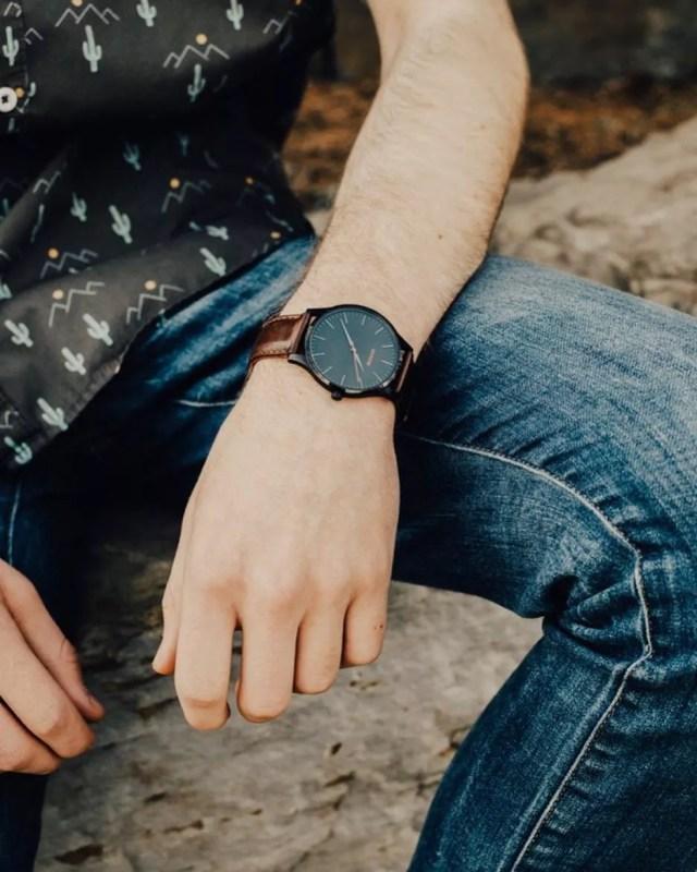 Minimalist men's watch. Photo by Instagram user @garcon_finery