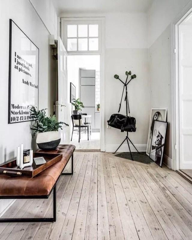 Entryway with minimalist design. Photo by Instagram user @minimalistbible