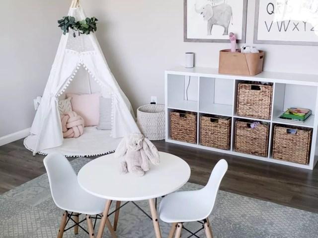 Minimalist kids playroom. Photo by Instagram user @taijanellie