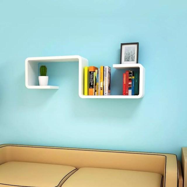 Floating shelves in living room. Photo by Instagram user @furniture_decoisland