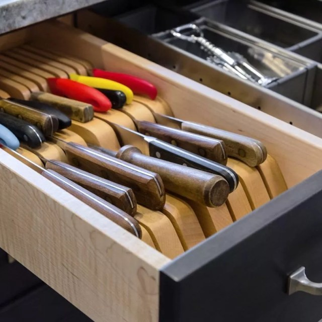 Kitchen knives in knife drawer. Photo by Instagram user @michaelmenn