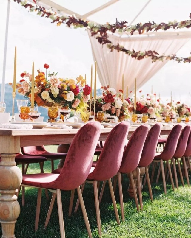 Beautifully Designed Tables Set for an Outdoor Wedding. Photo by Instagram user @weddingwire