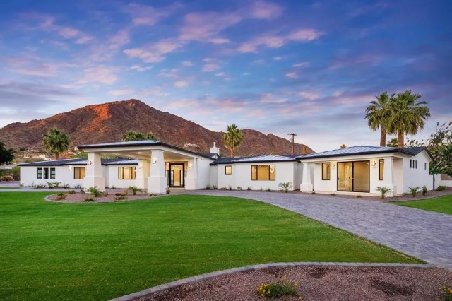 Luxury Southwestern-style ranch home in Arcadia, AZ. Photo by Instagram user @dustinmiverson