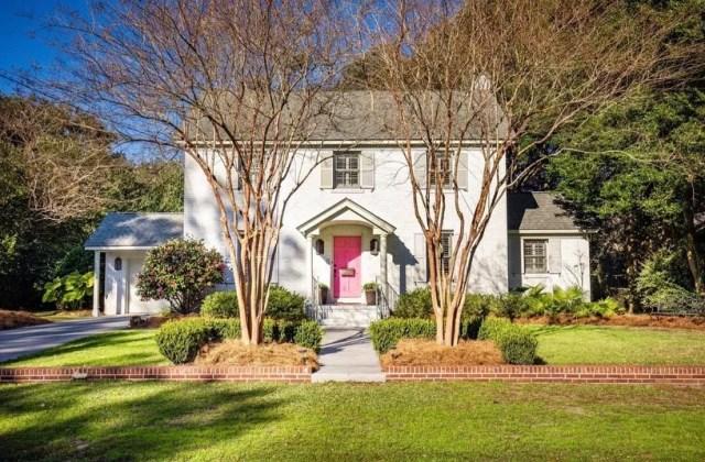 House in West Ashley, Charleston, SC. Photo by Instagram user @sarahellensellschs