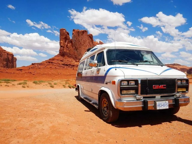 White van in the middle of the desert. Photo by Instagram user @cassie_jb