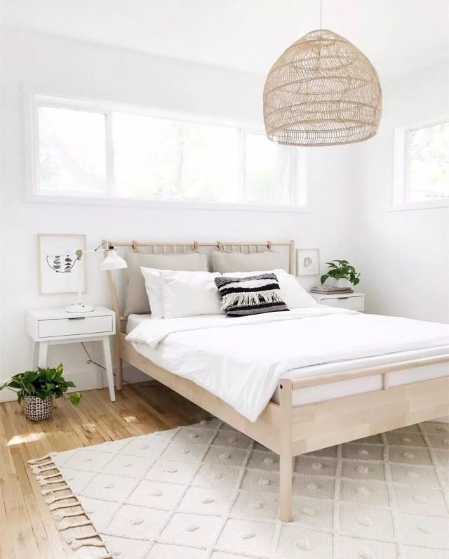 14 Minimalist Bedroom Design Ideas | Extra Space Storage on Neutral Minimalist Bedroom Ideas  id=60202