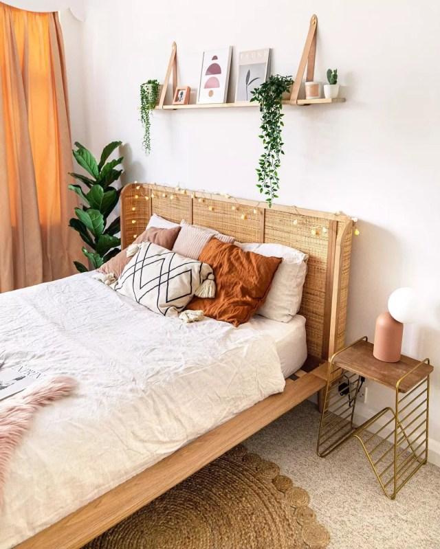 14 Minimalist Bedroom Design Ideas | Extra Space Storage on Bedroom Minimalist Design Ideas  id=15006