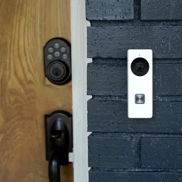 smart doorbell with a built in security camera photo by Instagram user @matsonalarmcompany