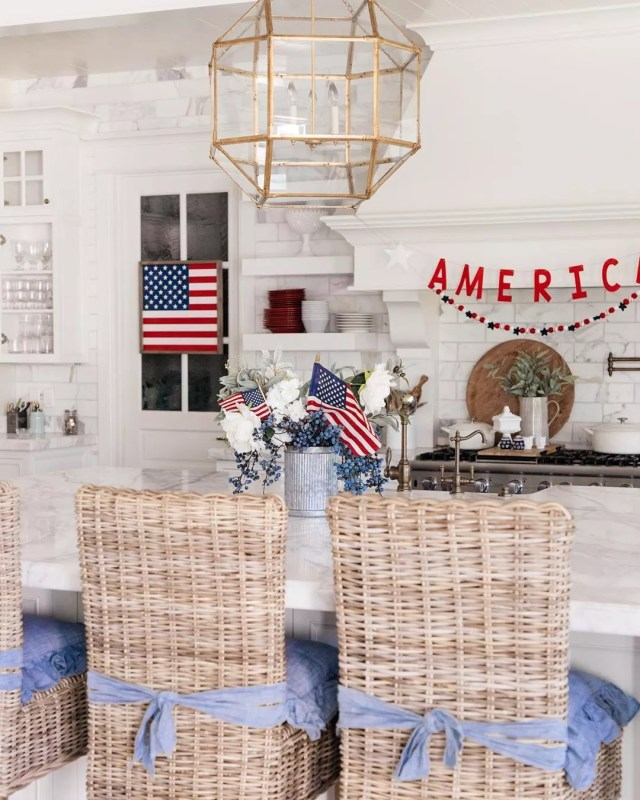 Home Kitchen Decorated with Fourth of July Decor. Photo by Instagram user @homewithhollyj