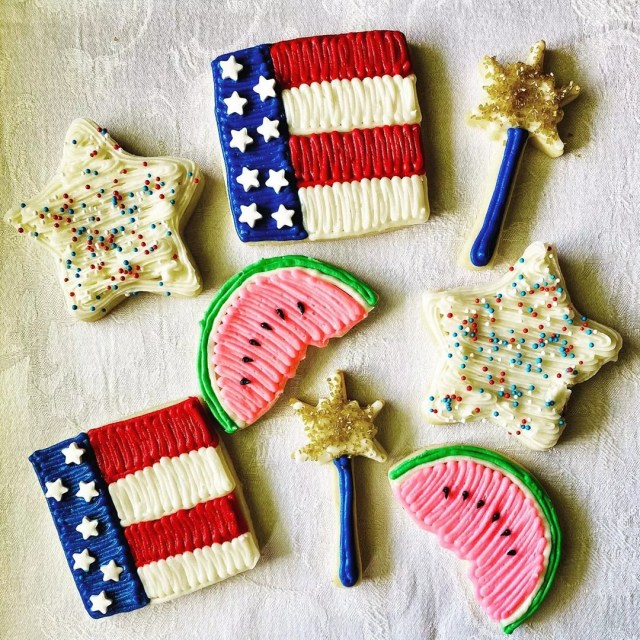 4th of July Frosted and Watermelon Frosted Cookies. Photo by Instagram user @faithbakes77