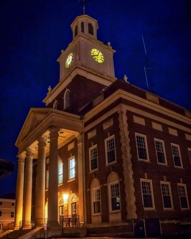 City Hall in Dover, NH. Photo by Instagram user @flyingsig