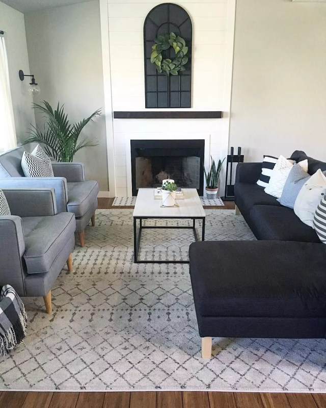 Clean Living Room Combining Both Modern and Minimalist Design Ideas. Photo by Instagram user @ourmodernhomestory